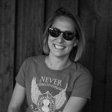 Sarah, kayak tour guide